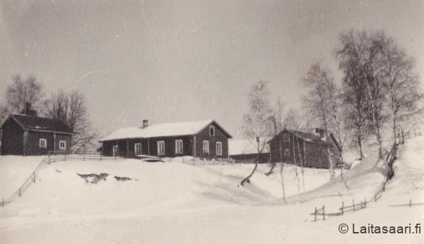 Pekka-Määtän pihapiiriä