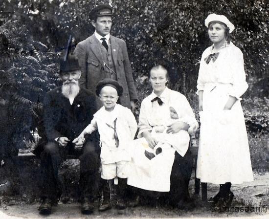Joonas Sassali perheineen