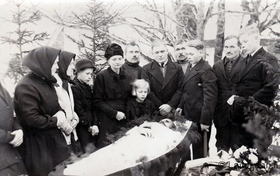 Aappo (Aappi) Parviaisen hautajaiset 5.12.1934
