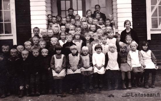Hyrkin koulun luokkakuva