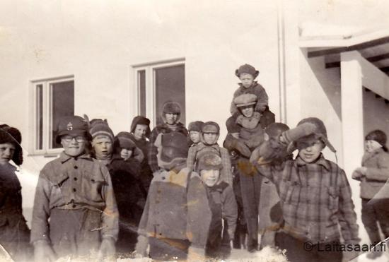Laitasaaren koululaisia 1950-luvulla