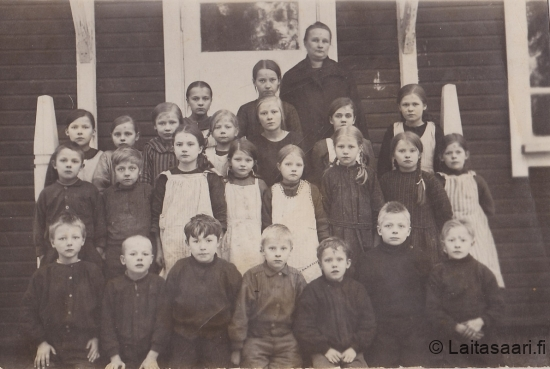 Sanginjoen koululaisia