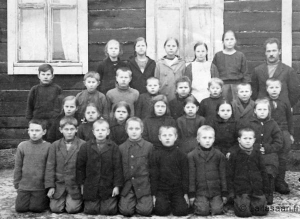 Hyrkin koululaisia 1920-luvulla