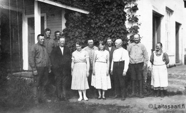 Laitasaaren Osuusmeijerin väkeä 1920-luvulla